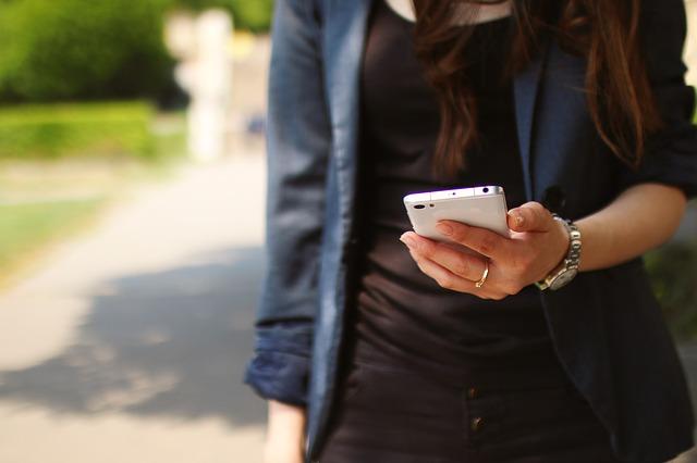 mobil dívky