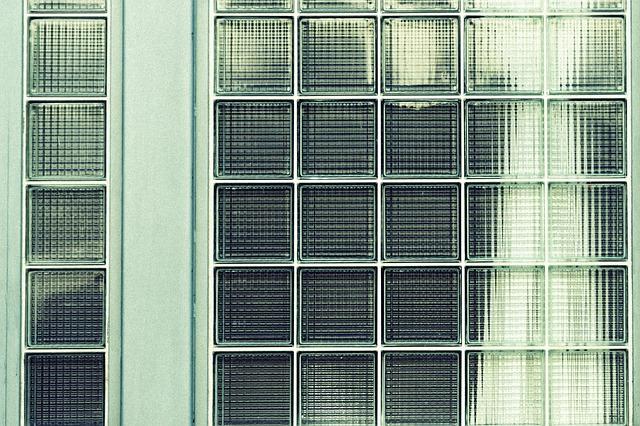 stěna skleněná
