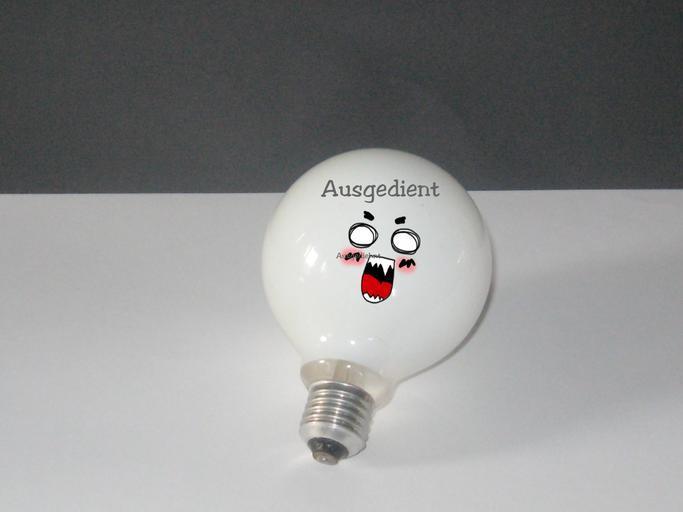 Žiarovka, tvár, komické.jpg